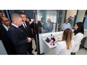 Vali Gül, Naci Topçuoğlu MYO'yu ziyaret etti