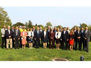 Bakan Pakdemirli, Uluslararası Bakanlar Zirvesi'nde Türkiye'deki yenilikleri anlattı