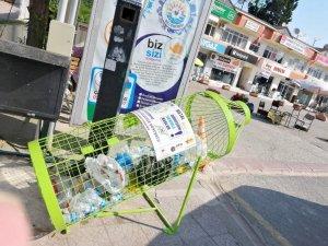 Gerze'ye plastik atık kutuları