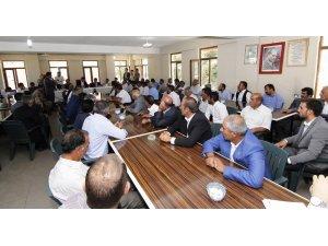 Kaymakam Mehmetbeyoğlu 24 mahalle muhtarıyla bir araya geldi