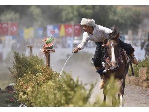Atlı spor oyunlarından objektiflere takılan eşsiz kareler