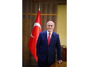 Rektör Savaş Malazgirt Zaferi'ni kutladı