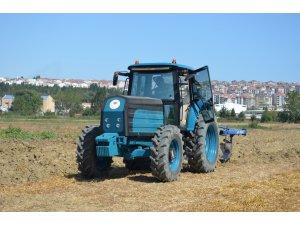 Türkiye'nin ilk yerli ve milli elektrikli traktörü sahalarda