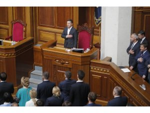 Ukrayna'da yeni seçilen milletvekilleri göreve başladı