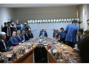 Bakan Turhan Mardin'de yatırımları inceledi, yeni demir yolu müjdesi verdi