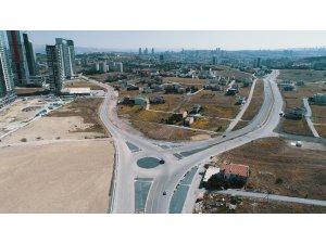 Başkent'in dört bir tarafında yeni yol, alt geçit ve kavşak çalışmaları devam ediyor