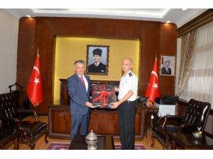 Albay Kınay'dan Vali Yazıcı'ya veda ziyareti