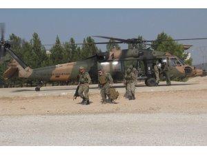 """MSB: """"Suriye'de Fırat'ın Doğusunda Güvenli Bölge birinci safha uygulamaları kapsamında, Türk-ABD'li komutanların iştirak ettiği ikinci ortak helikopter uçuşu Türk Silahlı Kuvvetlerine ait iki helikopter ile gerçekleştir"""