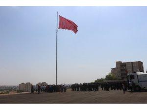 30 Ağustosta göndere Türk Bayrağı çekildi