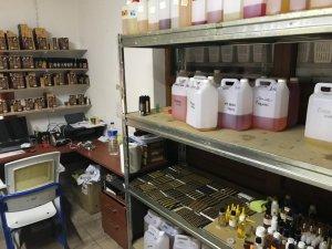 Antalya'da kaçak elektronik sigara imalathanesi ele geçirildi
