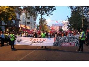 Kartal'da binlerce vatandaş Zafer Yürüyüşü'nde buluştu
