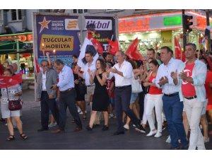 Didim'de 30 Ağustos coşkusu yürüyüş ve konserle taçlandırıldı