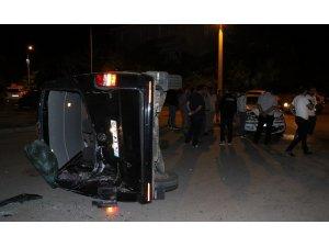 Erzincan'da 3 araçlı trafik kazası: 7 yaralı