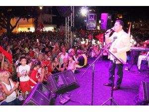 Bodrumlular Ardahan Belediye Başkanının şarkılarıyla coştu