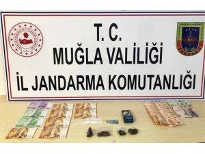 Jandarmadan Sakin Kent'e uyuşturucu operasyonu