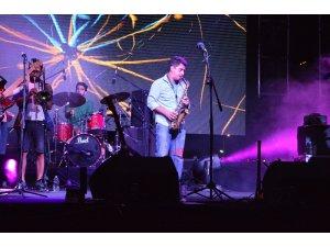 Pinhani Lüleburgaz'da konser verdi