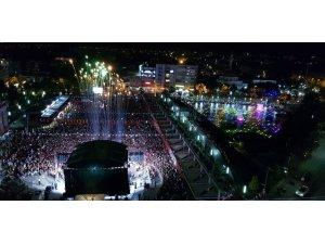 Aydın Büyükşehir Belediyesi'den renkli kutlama