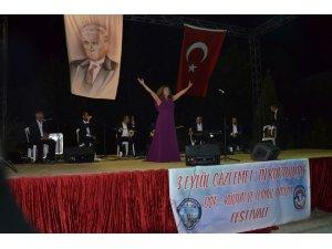 Kültür Bakanlığı Sanatçıları, Emet'in Kurtuluş Haftası etkinliklerinde konser verdiler