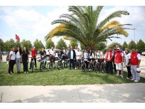 Bakan Kasapoğlu'dan İstanbul'da bisiklet turu
