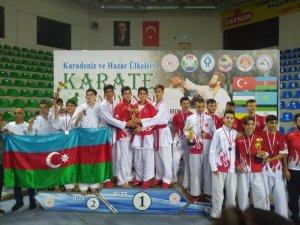Karate şampiyonasına Kağıtspor damga vurdu