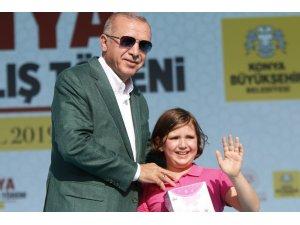 """Cumhurbaşkanı Erdoğan: """"Ülke ve milletin yanında olacaklarına terör örgütü güdümündeki partinin borazanlığına soyunuyorlar"""" (2)"""