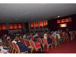 Bursa Büyükşehir Belediyesi Kukla Tiyatrosu Emetli çocuklarla buluştu