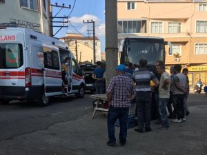 Tekirdağ'da görünmez kaza: Otobüs ile otomobilin arasında sıkıştı