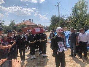 Kazada ölen sözleşmeli er, askeri törenle uğurlandı