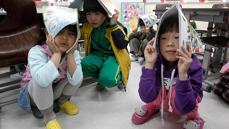 Çin'de bir ilkokulda bıçaklı dehşet: En az 8 çocuk hayatını kaybetti