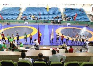 Edirne'de 1. Uluslararası Kel Aliço Serbest Güreş Turnuvası yapıldı