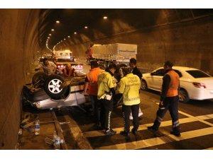 Bolu Dağı Tüneli'nde otomobil takla attı: 2 yaralı