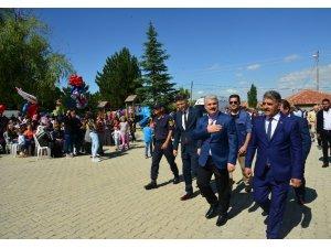 Vali Akın, Kurancılı Kültür Sanat Festivaline katıldı