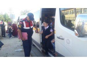 Bursa'da jandarma ekipleri servis denetiminde