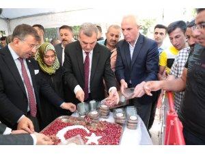 Şanlıurfa'da vatandaşlara Aşure ikramı