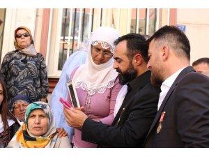 Türkiye Gaziler ve Şehit Aileleri Vakfından eylem yapan ailelere ziyaret