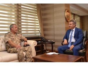 Erzurum Jandarma Bölge Komutanı Tuğgeneral Okyar'dan, Vali Elban'a ziyaret