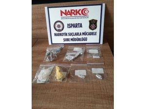 Isparta'da polisin yakaladığı 'zehir taciri' tutuklandı
