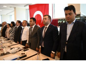 """Bülent Turan: """"O annelere destek olmak sizi AK Partili yapmaz, insan yapar"""""""