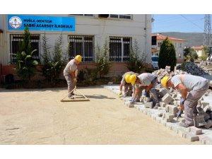 Menteşe Belediyesi'nden okullara bakım ve onarım