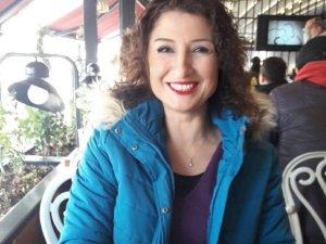 İşe gitmeyen kadın evinde 50 yerinden bıçaklanmış vaziyette bulundu
