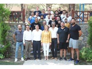 Başkan Doğan Denizli Basket'i Manisa'ya uğurladı