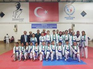 Eskişehir Gökmeydanı Spor Kulübü'nde, 'Taekwondo Kuşak Terfi Sınavı' heyecanı yaşandı