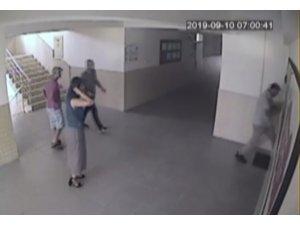 Çocuğunun sınıfı değişmedi diye müdürün kapısını tekmeyle kırıp, odasını bastı