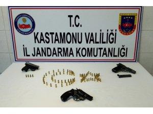 Kastamonu'da uyuşturucu ve silah kaçakçılığı operasyonu