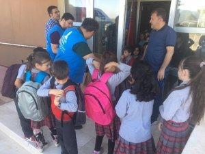 Dağardı İlkokulu öğrencilerine kırtasiye yardımı