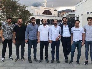 AK Parti'de sürpriz istifa:''Artık Davutoğlu hocamız ile birlikte yürüyeceğiz''