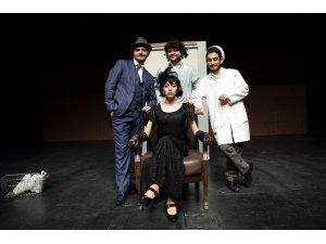 Uluslararası Tiyatro Festivali kapsamında Denizli 2 ödüle adını yazdırdı
