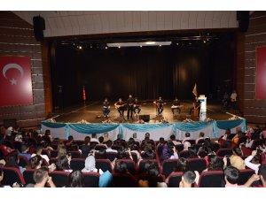 DÜ öğrencilerine oryantasyon eğitimi