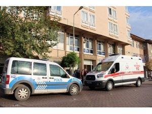 Yaşlı adam otel odasında ölü bulundu