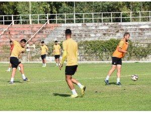 Aliağaspor FK, Bolvadin Belediyespor'a konuk oluyor